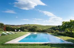 villa-giardinello-pool-tuscany